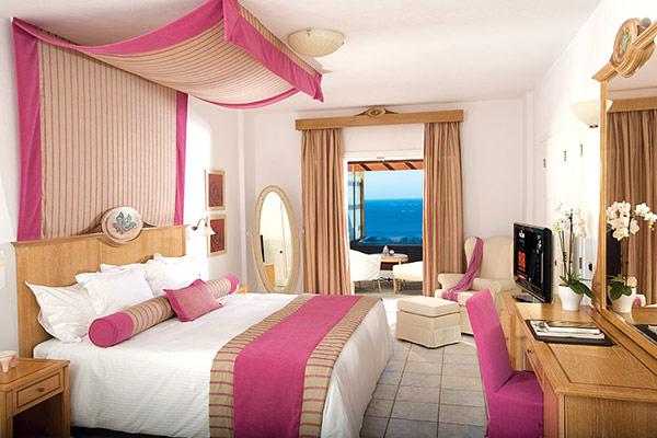 royal myconian resort villas spa hotel lusso mykonos. Black Bedroom Furniture Sets. Home Design Ideas